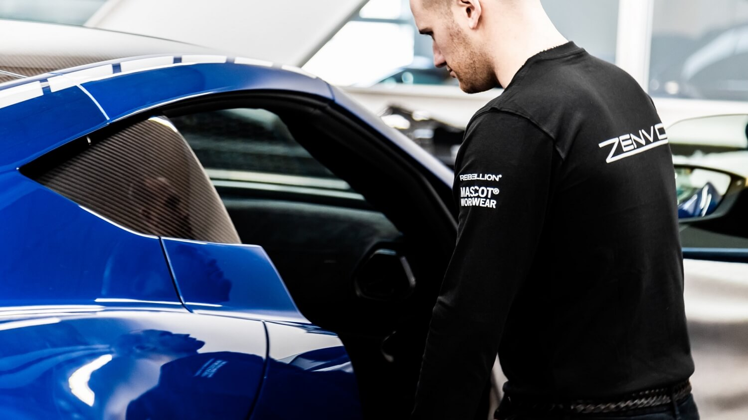 2019-Zenvo Automotive - MASCOT WORKWEAR - Zenvo technician